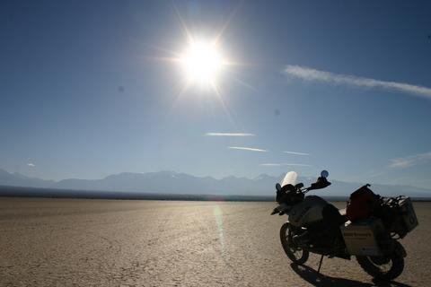 Trip report: South America 2008. Pampa de Leoncite - Motomorgana, nomads riding around the world on a motorbike adventure.